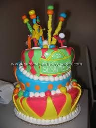 Take a look at the coolest Sesame Street birthday cake photos. You'll also find loads of homemade cake ideas and DIY birthday cake inspiration. Sesame Street Birthday Cakes, Sesame Street Cake, Cool Birthday Cakes, 2nd Birthday Parties, Birthday Ideas, Elmo Cake, My Little Nieces, Character Cakes, Cake Cookies