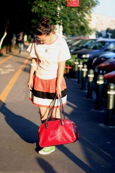 Stripes plus stripes equals tangerine :) Sport, Louis Vuitton Neverfull, My Outfit, Stripes, Tote Bag, Bags, Outfits, Fashion, Handbags