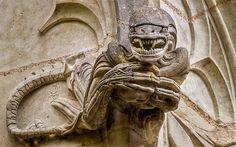 Gárgola Alien (Chapelle de Bethléem, Saint-Jean-de-Boiseau, France)