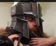 The Hobbit Battle of The Five Armies Fantasy Dwarf, Fantasy Armor, Medieval Fantasy, Hobbit Cosplay, Larp, Hill Dwarf, Dwarven Armor, Hobbit Dwarves, Dnd Dwarf