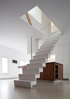 こんな感じの階段好きだな☆