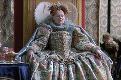 (Swipe to the left) Judi Dench in Shakespeare in Love Dame Judi as Elizabeth I was awarded an Academy Award for Best Supporting Actress in the 1998 film. Costume designed by Sandy Powell. Love Movie, Movie Tv, Epic Movie, Shakespeare Love, William Shakespeare, Sandy Powell, The Other Boleyn Girl, Elizabethan Fashion, Lady Elizabeth