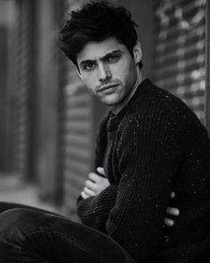 Esta bien guapo el Alec de la serie #Shadowhunters (se llama Matthew Daddario)