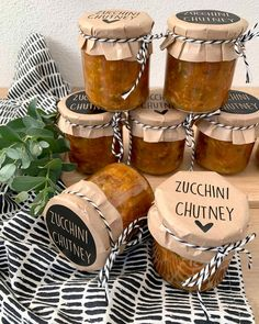 Zucchini Curry, Zucchini Relish, Chutneys, Egg Recipes For Breakfast, Best Food Ever, Food Gifts, Pesto, Spicy, Good Food