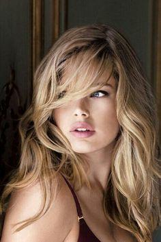 "great-hair-and-eyes: ""Doutzen Kroes "" Most Beautiful Faces, Beautiful Eyes, Beautiful Women Blonde, Beauté Blonde, Blonde Model, Belle Silhouette, Doutzen Kroes, Curled Hairstyles, Easy Hairstyles"