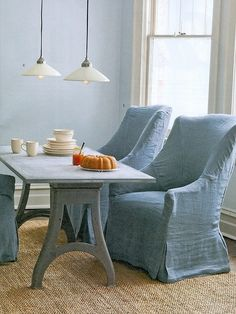Loose linen decorating house design home design Color Celeste, Home And Deco, Chair Covers, Dining Area, Dining Chairs, Room Chairs, Slipcovers, Designer, Upholstery