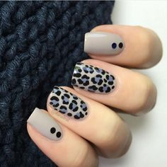 The advantage of the gel is that it allows you to enjoy your French manicure for a long time. There are four different ways to make a French manicure on gel nails. Leopard Nail Designs, Leopard Nail Art, Leopard Print Nails, Nail Art Designs, Animal Nail Designs, Nails Design, Stylish Nails, Trendy Nails, Nail Deco