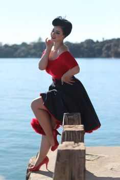 「rockabilly girl pin up」の画像検索結果 Looks Rockabilly, Mode Rockabilly, Rockabilly Outfits, Rockabilly Fashion, Retro Fashion, Vintage Fashion, Rockabilly Clothing, Retro Clothing, Pin Up Retro