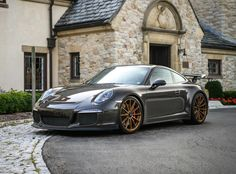 Our new Porsche 991 GT3 on 20-inch one piece forged monoblock Forgeline GT1 wheels finished in our Tinted Gold Transparent powder coat. See more at: http://www.forgeline.com/customer_gallery_view.php?cvk=1446 #Forgeline #forged #monoblock #GT1 #notjustanotherprettywheel #madeinUSA #Porsche #GT3