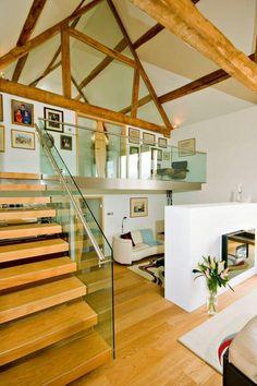 Treppe  http://deavita.com/wohnen/architektur/alte-scheune-zum-wohnhaus-umgebaut.html