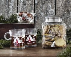Gorgeous German Christmas ideas - those biscuits look yummy! German Christmas, Mulled Wine, Looks Yummy, Mason Jar Wine Glass, Glass Design, Home Decor Inspiration, Christmas Crafts, Christmas Ideas, Latte