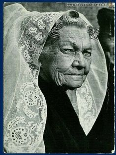 Black White Photos, Black And White, European Costumes, Fair Face, Old Faces, Folk Costume, People Of The World, Interesting Faces, Portrait Photography