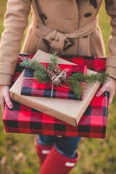 buffalo plaid christmas gift wrapping paper + pine