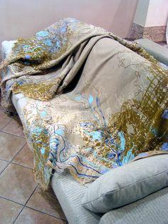 Yaga couch throw