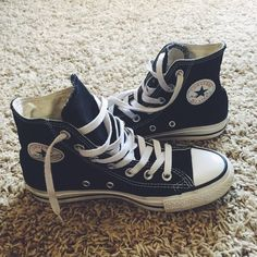 aafe0dd1d229 Black Hightop Converse ✌ Worn a few times