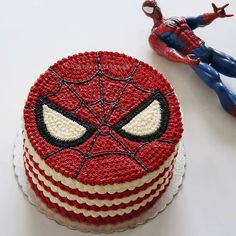 If you are planning a spiderman party here is a collection of spiderman cake ideas to help. Spiderman Torte, Spiderman Birthday Cake, Superhero Cake, Cake Birthday, Cake Decorating Techniques, Cake Decorating Tips, Marvel Cake, Batman Cakes, Bolos Naked Cake