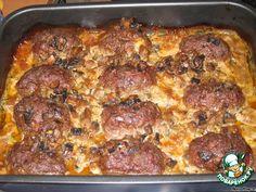Биточки с сыром и грибным соусом - кулинарный рецепт