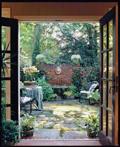 A small backyard garden doesn't have to limit your design desires. Check out these ways to make even the tiniest yard into an outdoor getaway anyone can enjoy. French Courtyard, Small Courtyard Gardens, Courtyard Design, Small Courtyards, Backyard Garden Design, Small Backyard Landscaping, Outdoor Gardens, Brick Courtyard, Courtyard Landscaping