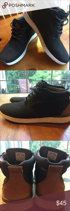 Men's Reef Rover Mid. 9.5 Black canvas with leather on heels.  Mid rise, unusual pattern/material in the white around bottom of shoe.  no odor.  Great condition, not worn Reef Shoes Loafers & Slip-Ons