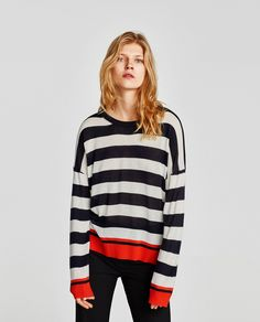 CONTRAST STRIPED SWEATER