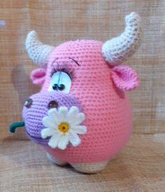 Вязаные игрушки амигуруми | ВКонтакте Cow Pattern, Plush Pattern, Fabric Animals, Crochet Animals, Crochet Crafts, Crochet Projects, Crochet Dolls Free Patterns, Crochet Diagram, Toy Craft