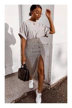 fashion inspo Autumn - Fall - Winter - Acne Studios - Street Style - A/W 18 - FW 18 - Inspiration - Fashion - Anniken - Annijor - Olsen Twins - Shoes - Boots - OOTD - Zoella Street Style Outfits, Mode Outfits, Fall Outfits, Summer Outfits, Casual Outfits, Fashion Outfits, Hijab Casual, Korean Outfits, Classy Chic Outfits