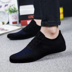 Hot Summer Men Shoes Breathable Men Casual Shoes Low Lace-up Mesh Male Shoes Comfortable Flat Shoes For Men Zapatillas Hombre - Men's style, accessories, mens fashion trends 2020 Mode Shoes, Men's Shoes, Dress Shoes, Flat Shoes, Shoes Style, Shoes For Men, Shoes Sneakers, Retro Mode, Mode Vintage