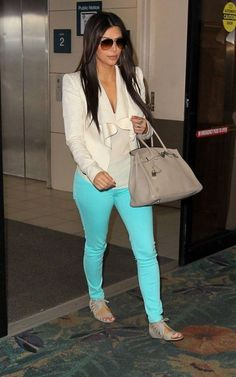 Minus the shoes  Kim Kardashian Fashion and Style - Kim Kardashian Dress, Clothes, Hairstyle - Page 20