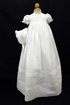 baby_christening_gownsf6f2099177d23457bdb7204b779feeca.jpg