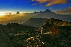 Cadena de volcanes de Guatemala desde el Volcan de Pacaya