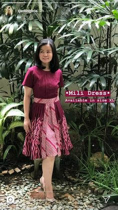 Great combination Source by yuniatyw dress Blouse Batik, Batik Dress, Simple Dresses, Nice Dresses, Tulle Skirt Tutorial, Batik Kebaya, Kawaii Dress, Batik Fashion, 1940s Dresses