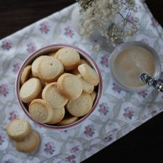 Galletas bretonas. Receta francesa con Thermomix Baking Recipes, Cookie Recipes, Dessert Recipes, Brunch, Thermomix Desserts, Biscuit Cake, Shortbread Cookies, Sweet And Salty, Cooking Time