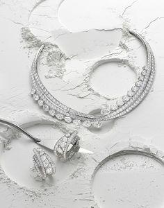 Wonderful Black Gold Jewelry For Beautiful Pieces Ideas. Breathtaking Black Gold Jewelry For Beautiful Pieces Ideas. Jewellery Advertising, Jewelry Ads, High Jewelry, Photo Jewelry, Jewelry Shop, Jewelry Accessories, Fashion Jewelry, Jewelry Design, Gold Fashion