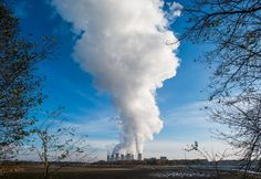 Picture of the Vattenfall AG lignite coal power plant in Jaenschwalde, Germany.