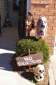 Cool outdoor halloween decorating ideas 34