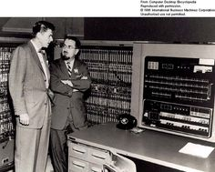 The IBM 701 was the first computer build by IBM; Ronald Reagan talking to IBM manager, Herbert Grosch. Alter Computer, Computer Build, Radios, Electric Aircraft, Office Automation, Dictionary Definitions, Magnetic Tape, Old Computers, Old Tv