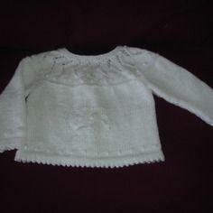 Brassière de baptême blanche tricoté main en point fantaisie  3 mois