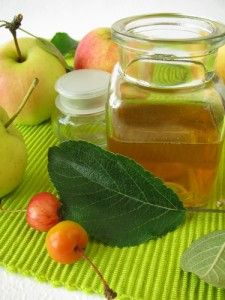 Apple Cider Vinegar Spray to get rid of dandruff... lime juice for bug bites... raspberry tea to treat canker sores... Dr Oz's remedies are fabulous!