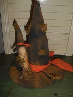 Primitive Grungy Witch Hat Broom Mouse Ornie Halloween Handmade Sitter Decor #NaivePrimitive