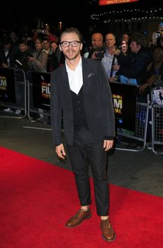 Pin for Later: That's a Wrap! See All the Stars Who Ditched Hollywood For the London Film Festival Simon Pegg Simon attended the screening of Kill Me Three Times at the Odeon.