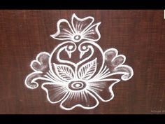 Very Creative & Simple Kolam / rangoli Design without using Dots Indian Rangoli Designs, Simple Rangoli Designs Images, Rangoli Designs Latest, Rangoli Designs Flower, Rangoli Border Designs, Rangoli Patterns, Rangoli Ideas, Rangoli Designs With Dots, Kolam Rangoli