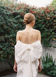bow back wedding dress