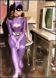 Yvonne Craig as the iconic Batgirl in the 1966 Batman Tv series. She will be missed, but her legacy lives on. Real Batman, Batman Tv Show, Batman Tv Series, Batman Stuff, Dc Batgirl, Batwoman, Dc Comics Superheroes, Batman Comics, Batgirl Pictures