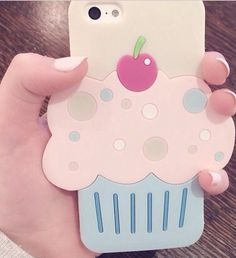 Cupcake phone case omg must have hola! Girly Phone Cases, Phone Covers, Iphone Cases, Phone Accesories, Tech Accessories, Cool Cases, Ipad Tablet, Apple Products, Diy