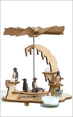 Penguin Christmas Pyramid@canadachick