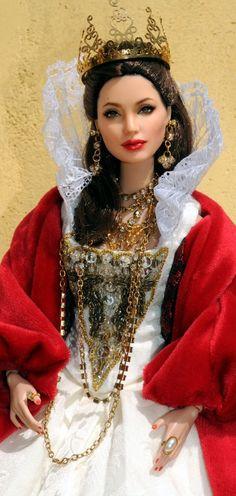 Amaizing Queen! Tonner OOAK Barbie doll ◉◡◉ - Looks like a repaint from Noel Cruz