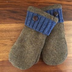 Felted Wool Green Repurposed Sweater Mittens for Women Size Small With Blue Cuff and Green Polar Fleece Lining and Leather Buttons