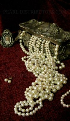 antique silver jewelry box with pearls #pearls