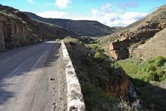 Molteno Pass between Beaufort West and Loxton Beaufort West, Mountain Pass, Hiking Photography, Off Road Adventure, Travel Info, Countries Of The World, Hiking Trails, Geology, South Africa