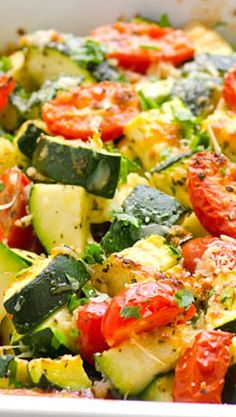 Garlic Parmesan Zucchini and Tomato Bake is quick and healthy dinner. 5 minutes of prep time and dinner is served! Zucchini bake to the rescue! Side Dish Recipes, Veggie Recipes, Cooking Recipes, Vegtable Casserole Recipes, Vegan Casserole, Steak Recipes, Potato Recipes, Healthy Snacks, Healthy Eating
